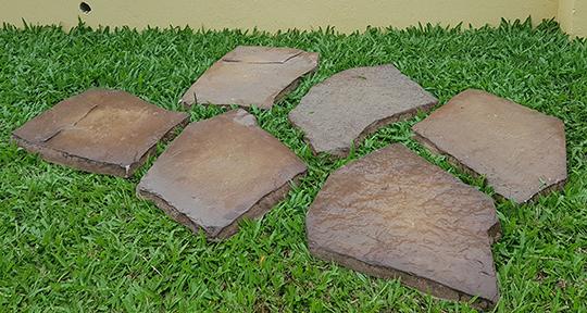 Irregular Landscaping Stone: Color Tan Tint