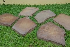 Irregular Landscaping Stone: Color Tan Tint